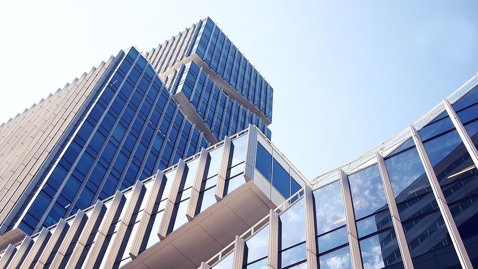 Immobilien-Investment-Einsteiger: Wie Sie sich von klein nach groß steigern